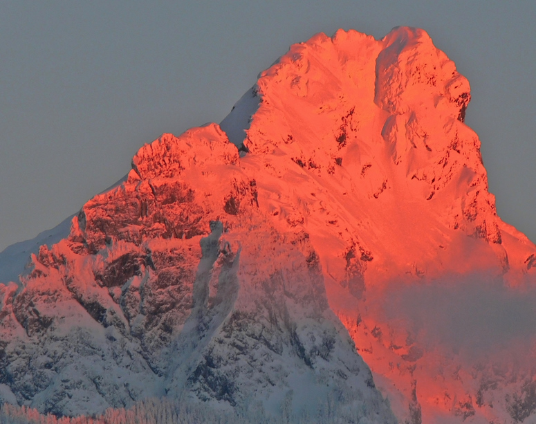Alpenglow on White Chuck