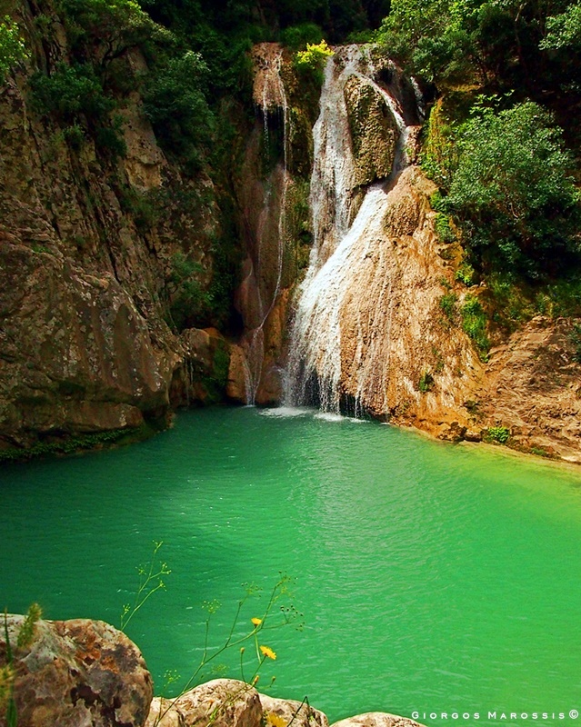 Polylimnio (lakes and waterfalls)