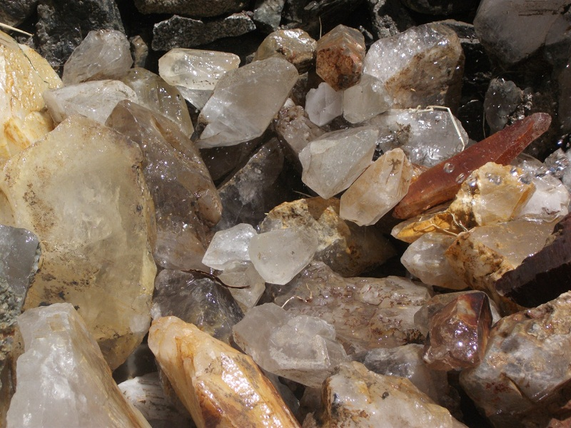 Quartz Gemstone Northern pakistan