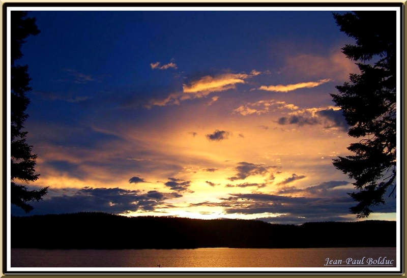 Sunset at north of Qu�bec