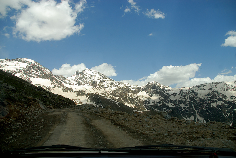 Driving to Sach Pass