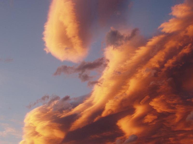 CANDY FLOSS CLOUDS