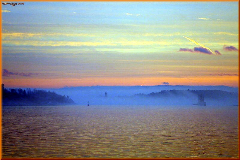 Oslofjord in eveningfog 2
