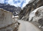 Title: Road to Rohtang
